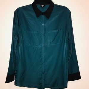 🌺 2/$15 Teal and black chiffon button down